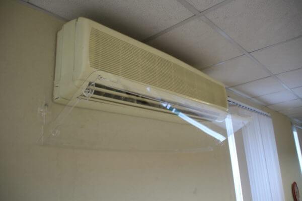 пластиковый жкран для кондиционера